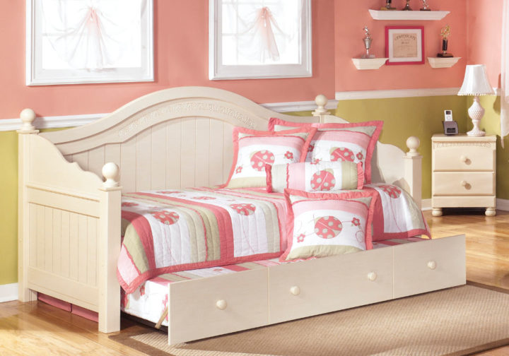 AF-B213-50-80 B100-81 82 Cottage Retreat Day Bed With Trundle2
