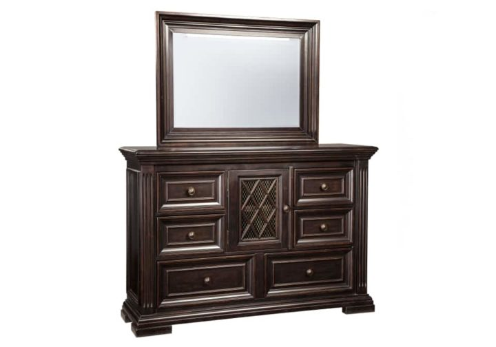 AF-B643-31-36-Willenburg-Dresser-And-Mirror1