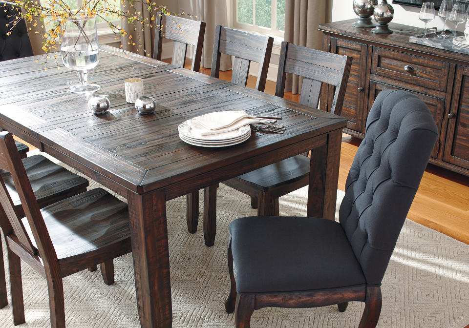 dining room table with extension log