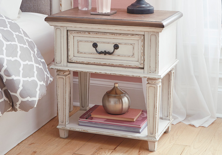 Realyn Two Tone One Drawer Night Stand Cincinnati
