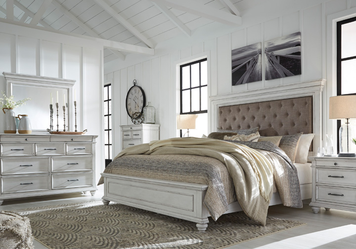 Kanwyn Whitewash Upholstered King Panel Bedroom Set