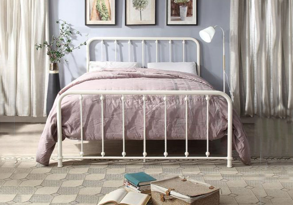 Florence White Queen Spindle Metal Bed